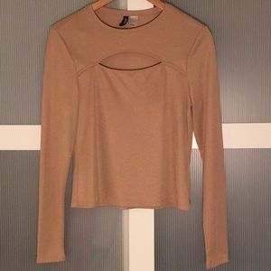 H&M Large Beige Longsleeve Sweater Top